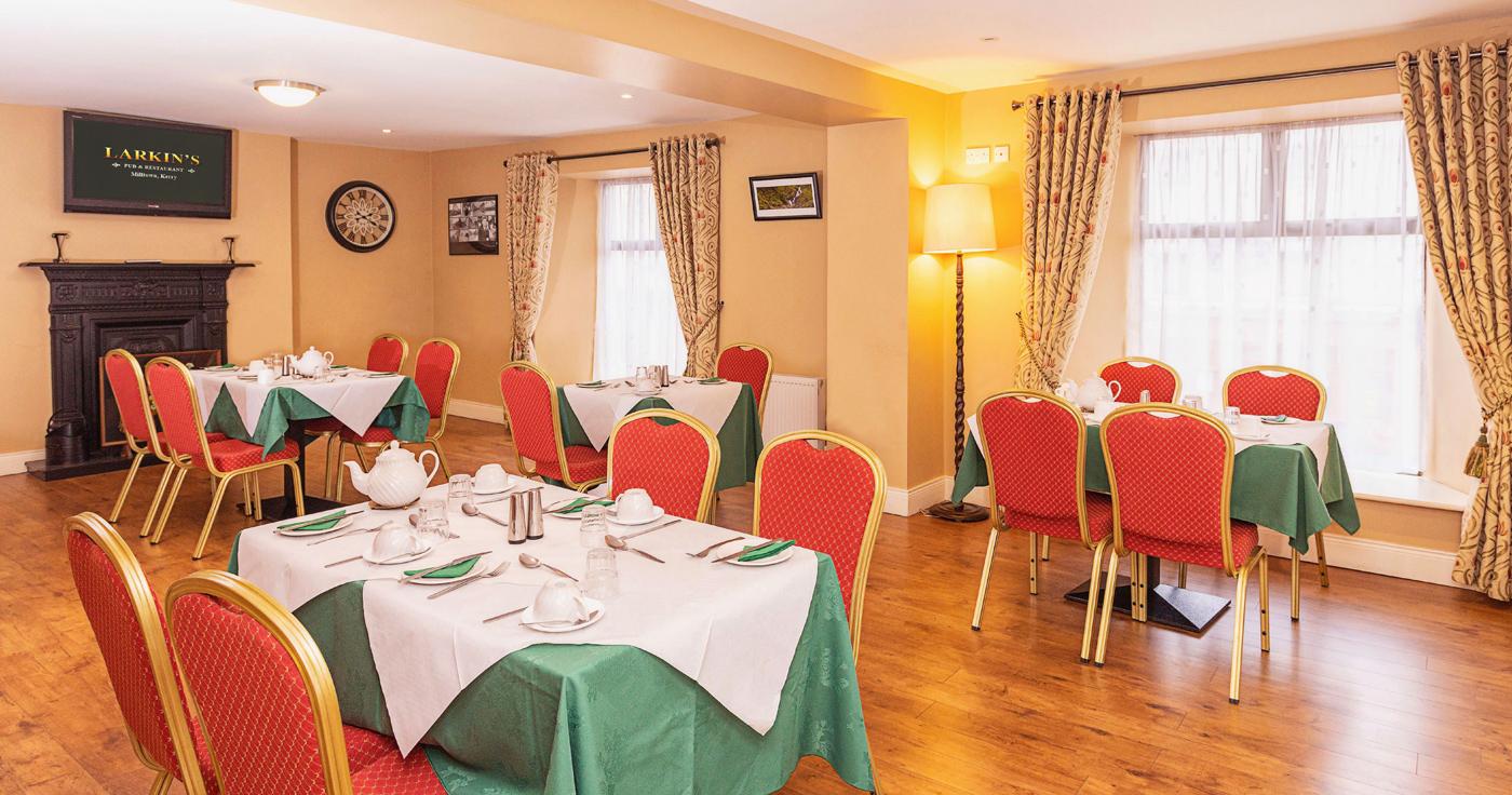 Larkins Pub - Dining Room
