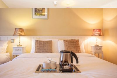 Larkins Pub - Twin Room Accommodation